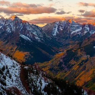 Autumn Sunrise from Loge Peak