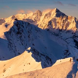 Highland Peak & Pyramid